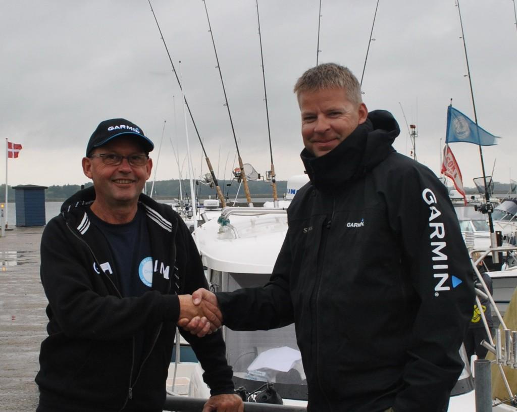 Årets fisker 2014 Søren Vesth til højre. Stævneleder Peter Dan Petersen til venstre